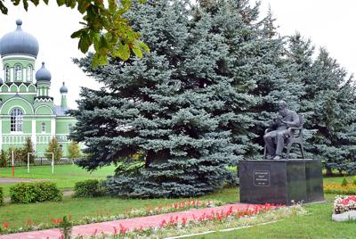 Автор памятника Достоевскому